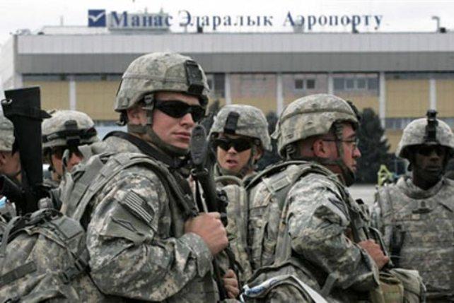 Солдаты США на военной базе Манас в Киргизии. Источник: Radio Free Europe / Radio Liberty.